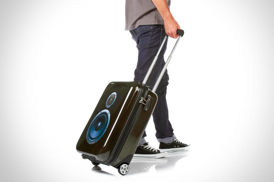 Какой чемодан лучше на 2 или 4 колесах?