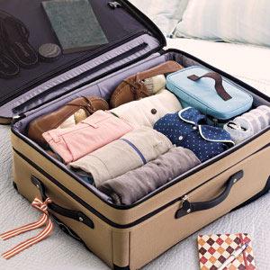 Вещи упакованы в чемоданы чемоданы весна лето 2015